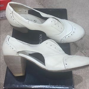 Boutique 9 off white oxford heel size 7.5 NEW
